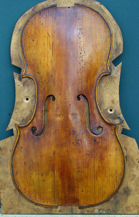 Work in progress in 2008 on the violin shown at the bottom of this page.